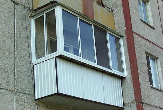 Наша компания может сделать вынос остекления на балконах!.