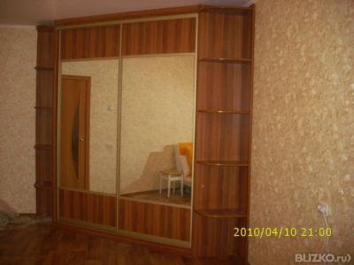 Шкаф-купе 2-дверный зеркальный с фигурной боковой панелью с .